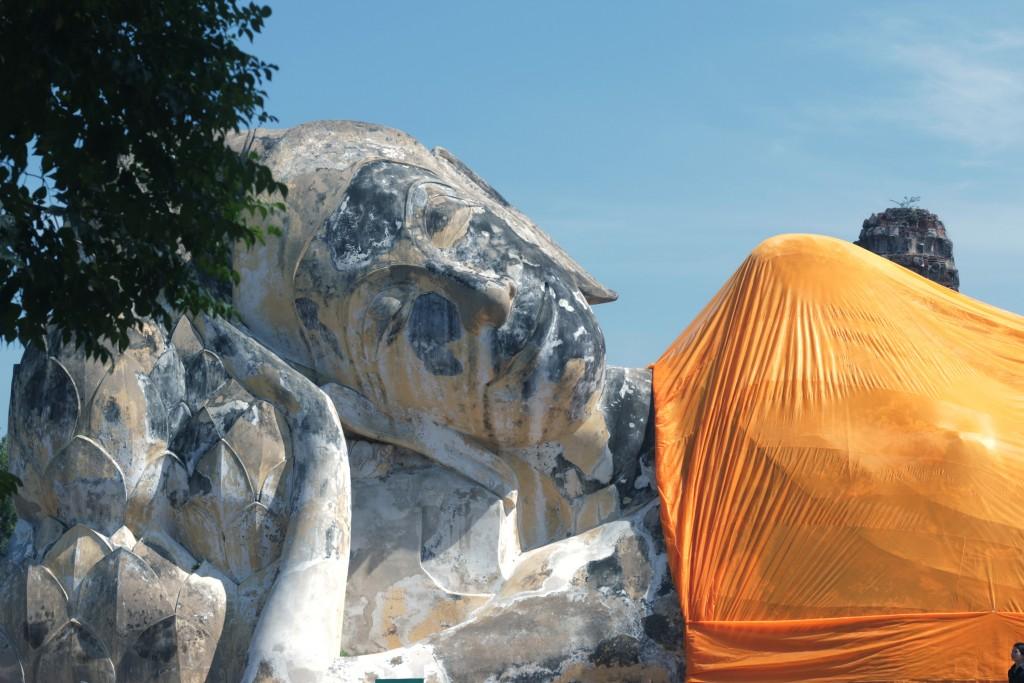 Reclining Buddha, Wat Lokaya Sutha